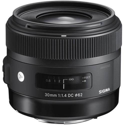 Sigma sd Quattro Mirrorless Digital Camera with 30mm f/1.4 Art Lens Kit